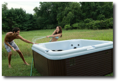Encore-se-Fun-in-a-hot-tub-from-Nordic-Tubs-2